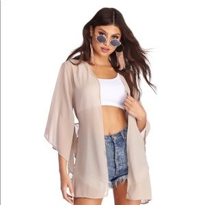 TOP IT OFF CHIFFON KIMONO COVER UP Worn Once 👌🏽